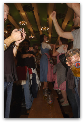 2oktoberfest-dancing-on-the-tables