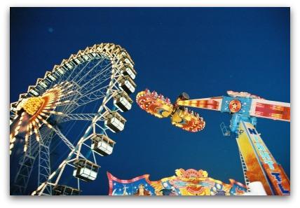 oktoberfest-ferris-wheel