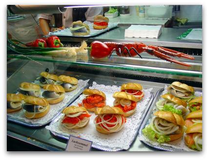 oktoberfest-food-fischsemmel