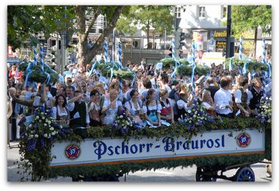 oktoberfest-pshorr-festwagon-munich-parade
