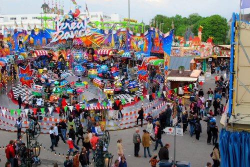 augsburg-plarrer-fair-rides
