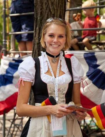 dirndl-dress-oktoberfest