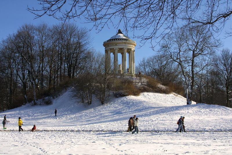 englischer-garten-munich-winter