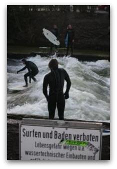 englischer garten surfing