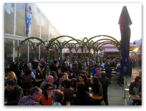 festival-munich-beer-garden