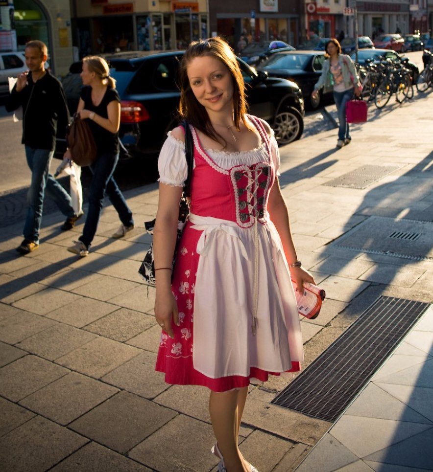 german dirndl an illustated guide