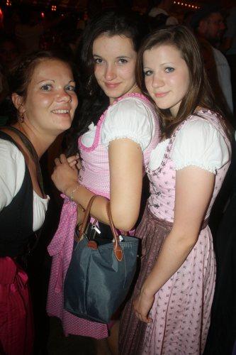 girls-in-pink-dirndl-dresses