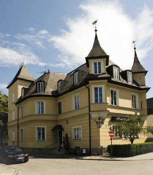 Laimer-Hof-am-Schloss-Nymphenburg
