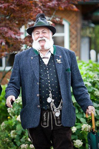 lederhosen-old-man-beard