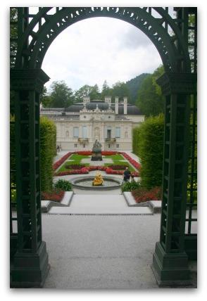 linderhof-archway-europe-bavaria