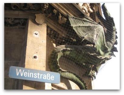Neues Rathaus dragon