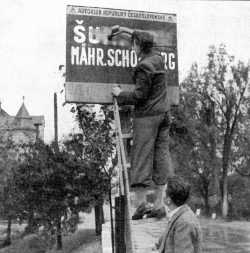 munich-agreement-1938-sign