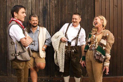 munich-oktoberfest-2014-lederhosen-band