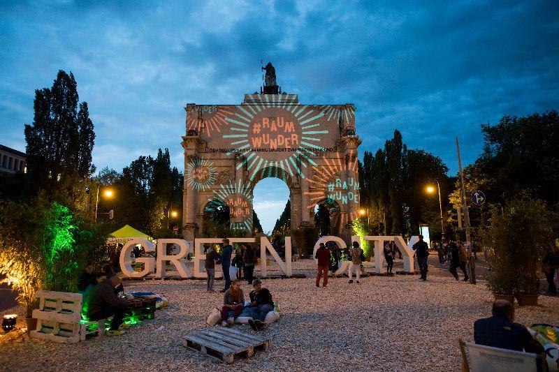 Munich-streetlife-festival-archway