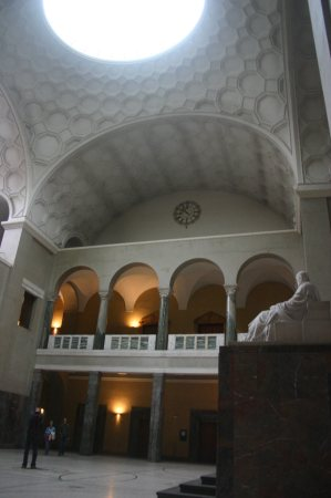 munich-university-atrium