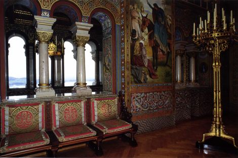neuschwanstein-castle-pictures-music-room