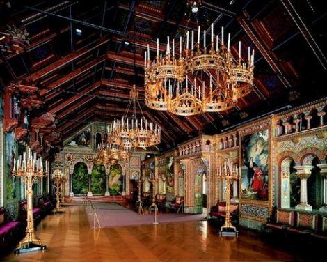 inside schlos neuschwanstein singers hall