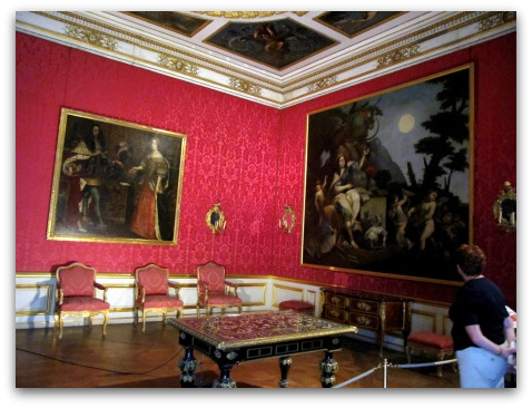 schloss-nymphenburg-audience-room