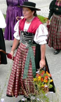 traditional-dirndl