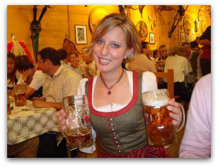 oktoberfest-cute-girl-beer