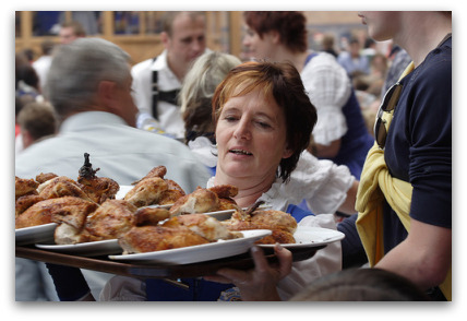 oktoberfest-food-waitress-carrying-chicks