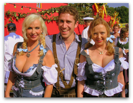 oktoberfest-girls-boobs-guy