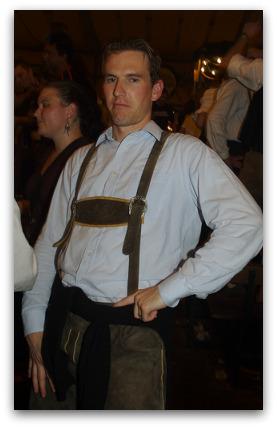 oktoberfest-lederhosen-lad