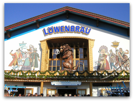 oktoberfest-lowenbrau-tent-outside