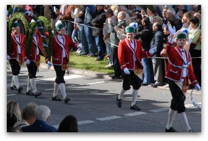 oktoberfest-parade-schaffler-men