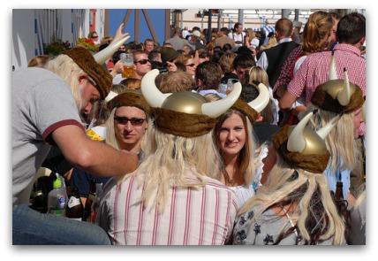 oktoberfest-vikings-girls-guys-horny-hats