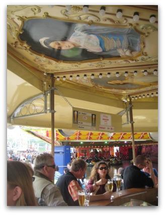 helene-carousel