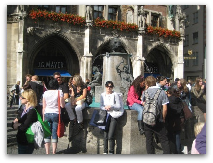 marienplatz-fish-fountain