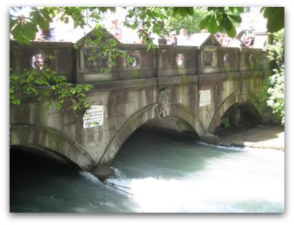 munich-surf-bridge