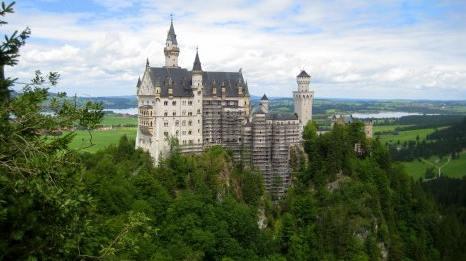 neuschwanstein-castle-in-germany-photo