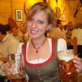 oktoberfest-girl-photo