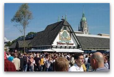 oktoberfest-tent-fischer-vroni