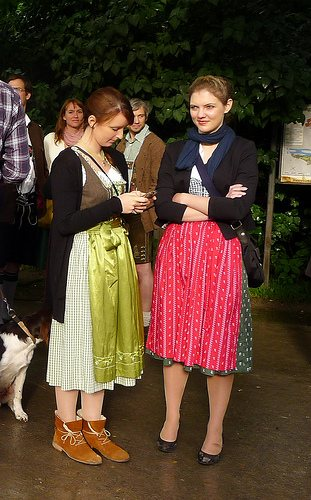 women-dirndls-kocherlball
